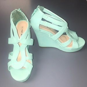 Turquoise wedges with fun design!